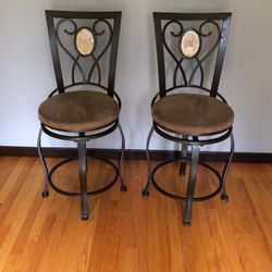 Bar Height Swivel Bar Stools for Sale in Snoqualmie Pass,  WA