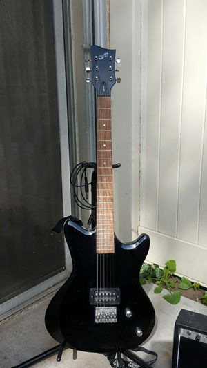 Electric guitar for Sale in Covina, CA