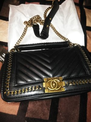 BRAND NEW WOMANS SHOULDER BAG... for Sale in Wilmington, CA