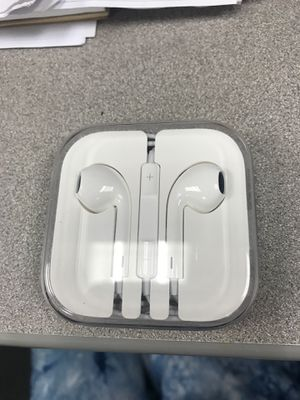 New never used Apple ear buds for older phones for Sale in HUNTINGTN BCH, CA