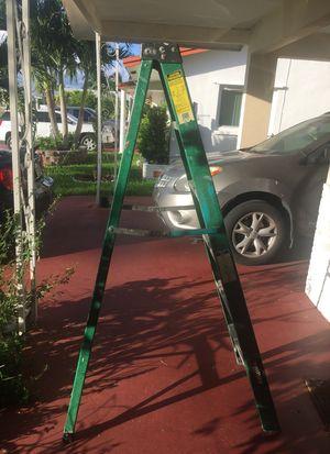 husky ladder 6 ft for Sale in Dania Beach, FL