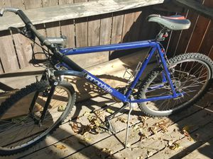 """Cannondale 19"""" frame mountain bike 26"""" tires for Sale in Manteca, CA"""