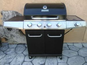 GAS BARBEQUE for Sale in La Verne, CA