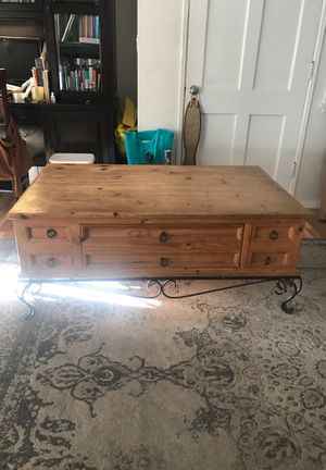Large wooden coffee table for Sale in Santa Fe Springs, CA