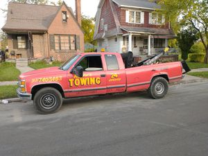 Chevy tow truck 454 5500 obo for Sale in Detroit, MI