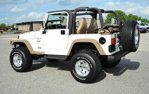 Excellent Quality 2001 Jeep Wrangler 4WDWheels for Sale in Chicago, IL