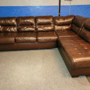 Beautiful Brown Leather Sectional Couch for Sale in Issaquah, WA