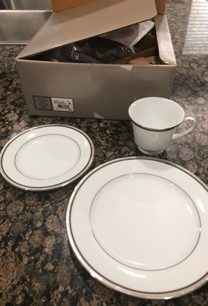 Brand new Noritake full Renwick Platinum 5 pc place setting w/box (4 boxed total) China dish set for Sale in Corona, CA