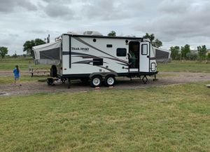 R-Vision 21ES Selling Camper for Sale in Dallas, TX