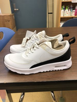 Nike Air Max Thea White Women's Size 7 for Sale in Los Angeles, CA