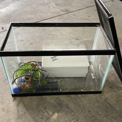 10 Gallon Fish Tank for Sale in Yorba Linda,  CA