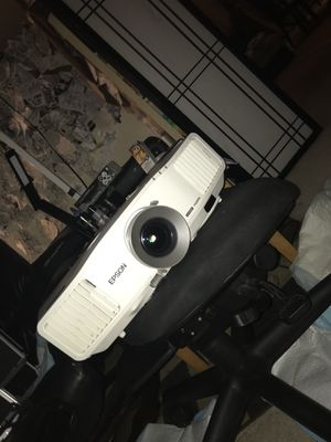 Epson Projector g5200w for Sale in Roy, WA