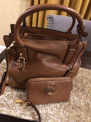 Michael Koors Handbag w/wallet for Sale in Baltimore, MD