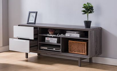 TV Stand, SKU# ID172169TC for Sale in Santa Fe Springs,  CA