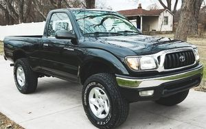 SPECIAL CAR - 2001 TOYOTA TACOMA CLEAN TITLE for Sale in Montgomery, AL