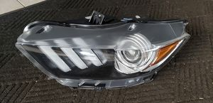 2017 ford mustang left headlight for Sale in Dearborn Heights, MI
