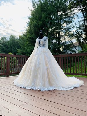 Brand new wedding dress ivory color princess wedding dress ball gown bridal gown long train lace tulle embroidered ivory A-line mermaid dress prom go for Sale in MONTGOMRY VLG, MD