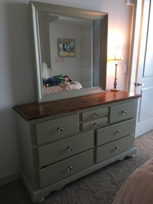Dresser for Sale in Atlanta, GA