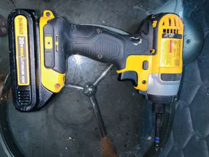 Dewalt still driver like new with battery .. for Sale in Revere, MA