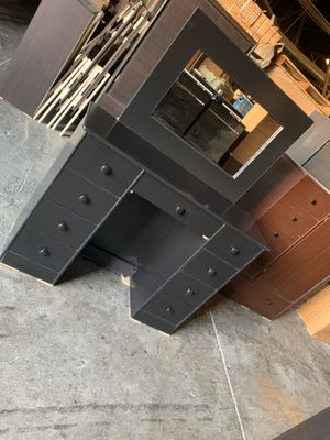 Black vanity table with mirror $175 for Sale in Los Angeles, CA