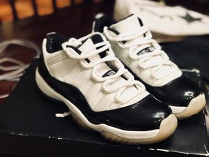 2 pairs of retro Jordans for sale - 11s Concords and 13s for Sale in Houston, TX