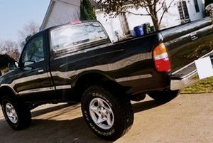 Toyota Tacoma 2001 Very well maintained for Sale in Boston, MA