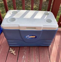 Coleman Xtreme 36 Quart 5-day Cooler for Sale in SeaTac,  WA