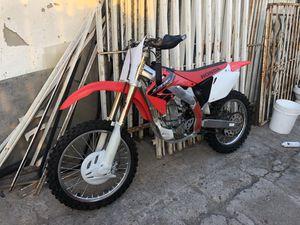 Honda Crf450r Crf450 crf 450 450r dirt bike motorcycle moto for Sale in Lemon Grove, CA