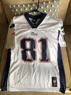 Reebok NFL New England Patriots Randy Moss jersey - Size Kids XL for Sale in Dublin, OH