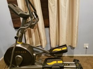 Livestrong Elliptical LS 10.0E for Sale in Corona, CA