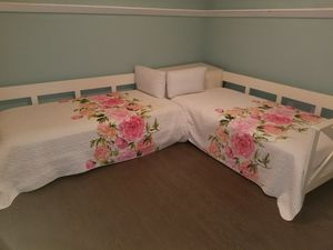 Corner twin beds for Sale in Miami Beach, FL