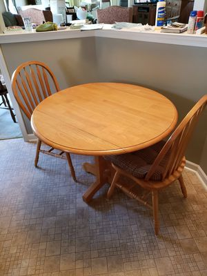 Kitchen table and chairs for Sale in Northampton, PA