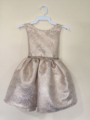 New Champagne Flower Girls Party Dress Size 4 for Sale in Hacienda Heights, CA