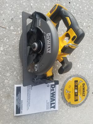 Dewalt circular saw DCS575 tool only for Sale in Tampa, FL
