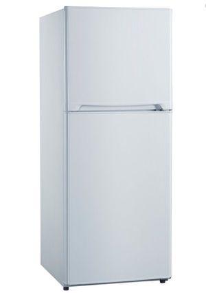 "Avanti 10 Cu Ft Compact Refrigerator 24"" Top Freezer Refrigerador Nevera Frío Heladera Blanca FF10B0W for Sale in Miami, FL"
