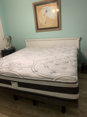 King size adjustable bed for Sale in Murrells Inlet, SC