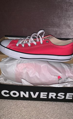 Hot Pink Converse Low Top for Sale in Lithonia, GA