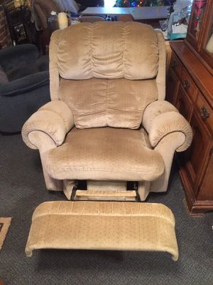 Lazyboy recliner for Sale in Springfield, VA