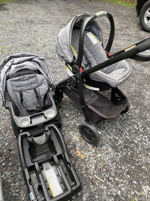 Graco stroller with car seat plus high chair for Sale in Stroudsburg, PA