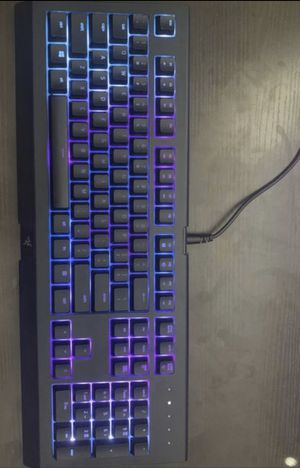 Razer Cynosa Chroma (SHOOT ME PRICES) (MEET UPS ONLY, NO DROP OFFS) for Sale in Fairfield, CA