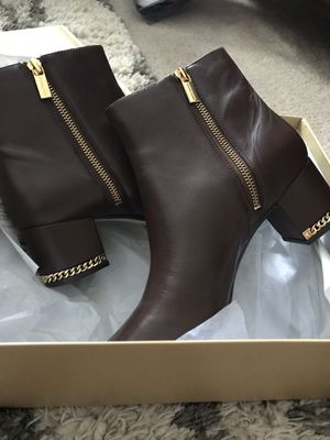 New MK boots Size 9 for Sale in Knightdale, NC