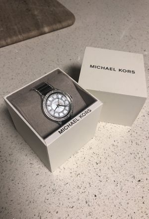 BRAND NEW Michael Kors silver watch (never worn) for Sale in MIDDLE CITY EAST, PA