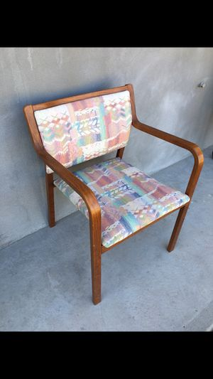 Beautiful chair for Sale in Phoenix, AZ