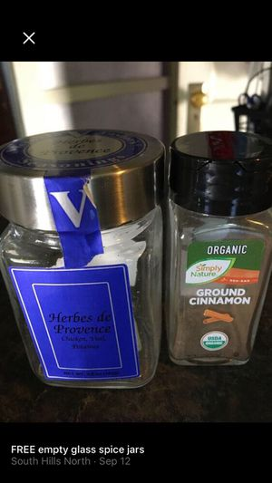 FREE empty glass spice jars for Sale in Cleveland, OH