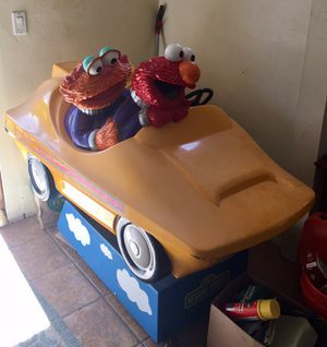 Elmo and Zoe Kids Arcade Ride for Sale in Detroit, MI
