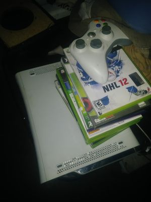 Xbox 360 remote and games for Sale in Los Angeles, CA