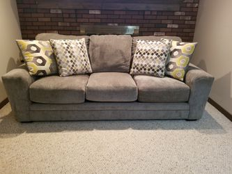 Gray Couch for Sale in Washington,  PA