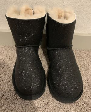 New UGG boots for women size 6 for Sale in Austin, TX