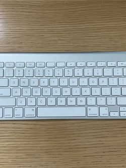 Apple Bluetooth Keyboard for Sale in Portland,  OR