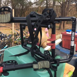 Nice universal trunk now bike rack only $40 firm for Sale in Severn, MD